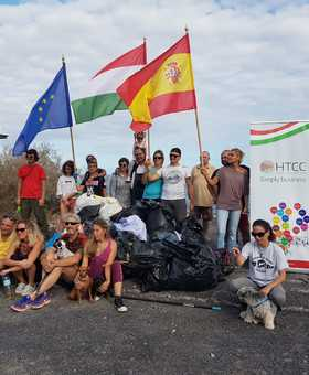 Hungarians clean up the Canary Islands